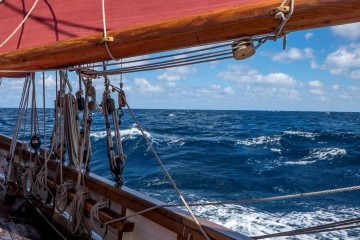 Authentic Classic Sailing onboard Pilgrim BM45